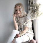 Jonna Lee