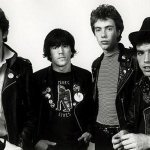 Stiff Little Fingers - Tin Soldiers (Live)
